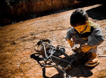 Foto que ilustrou a campanha do Mutirão de Oração deste ano no Brasil.