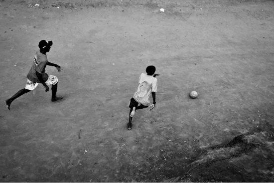 meninos_futebol_Reyner