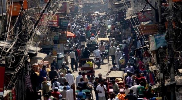 Em uma rua movimentada em Déli, Índia. © 2012 Samita Mehta, Courtesy of Photoshare