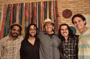 Ismael, Santiago, Carlinhos, Mario e Pedro - foto de Rick Szuecs