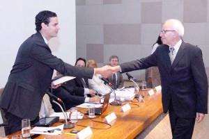 O Estado Brasileiro pede perdão à Padilha em sessão da Comissão de Anistia
