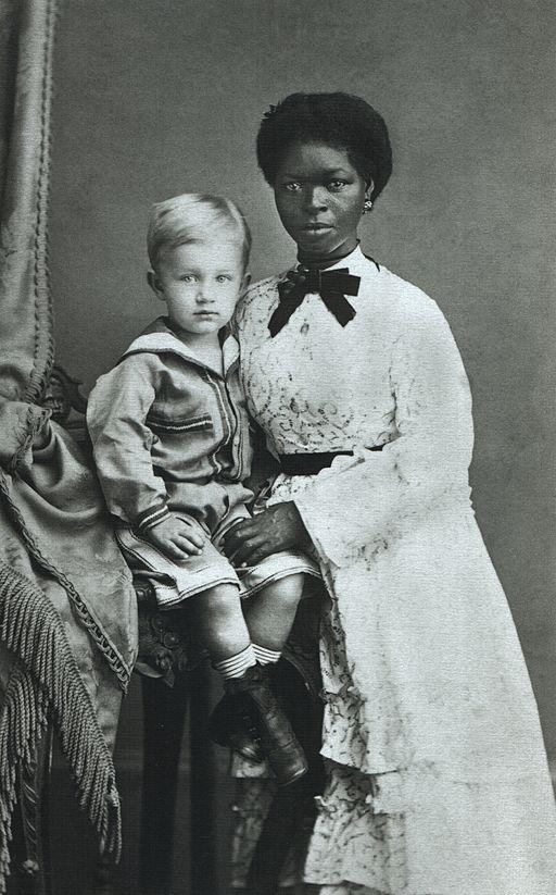 Babá com o menino Eugen Keller, em Pernambuco, 1874. Fotografia de Albert Henschel (1827-1882)