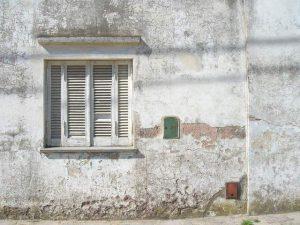 old-window-1570757-640x480