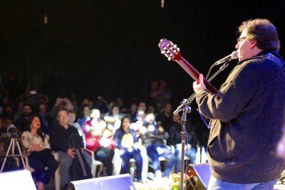 João Alexandre canta no NMB. Foto: David Vieira
