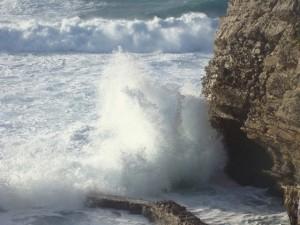 wave-1357645-640x480