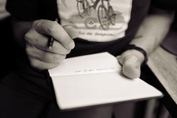 UltJovem_15_05_16_escrever-papel-caneta