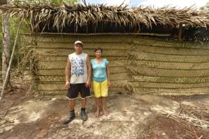 Pai e mãe de Elias, casinha ao fundo