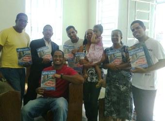 Grupo de estudo liderado por Erik em Recife, PE.