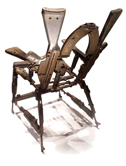 P10_09_04_14_Cadeira_arma