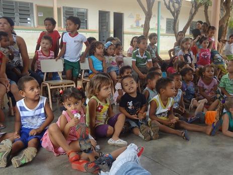 """Crianças da """"Casa Dá Vida"""", no sertão da Paraíba"""